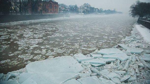 Льодохід на річці Уж