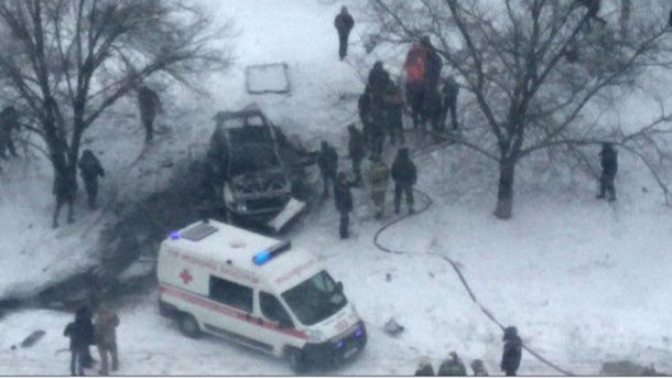 Место взрыва автомобиля Олега Анащенко