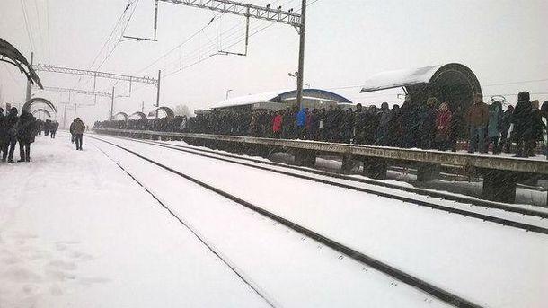 Очереди на остановках в Киеве