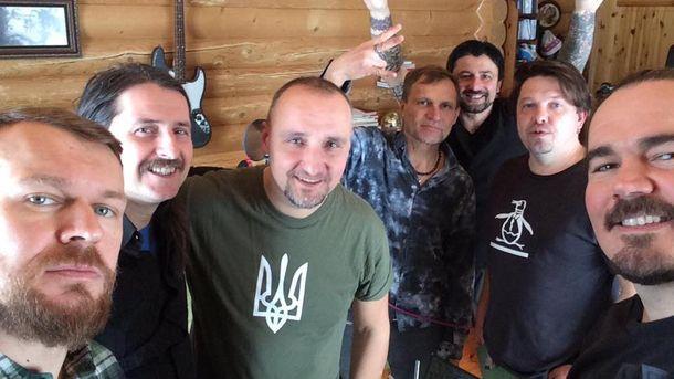 Украинские музыканты записывают строевой марш