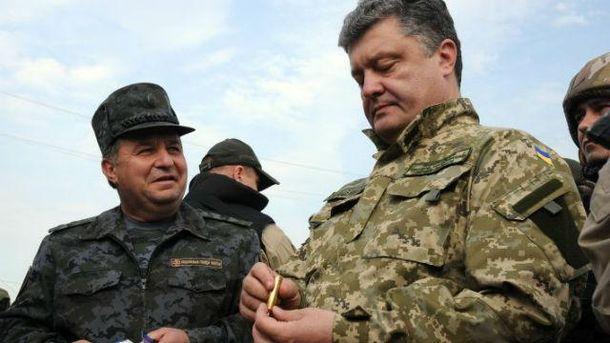 Петр Порошенко говорит, что украинские бойцы улучшили свои позиции