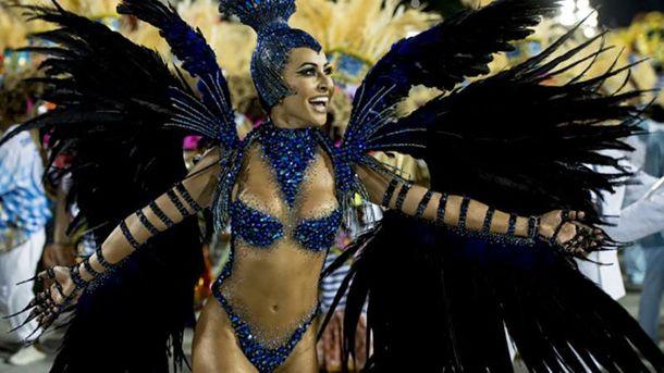 Непревзойденная Сабрина Сату на карнавале