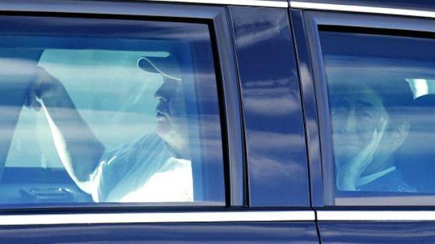 Журналистам Трамп с Абэ позировали неохотно