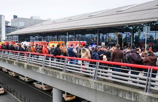 Люди масово отруїлись газом в аеропорту Гамбурга