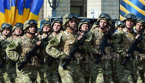 В Україні знову обговорюють питання про введення воєнного стану