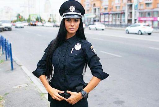 Поліцейська Людмила Мілевич створила брутальну валентинку