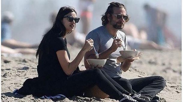 Шейк с Купером погуляли на берегу океана