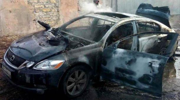 Lexus, у якому знайшли тіло бізнесмена