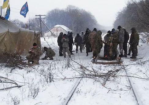 Учасники блокади Донбасу побоюються, що їх можуть розігнати силою