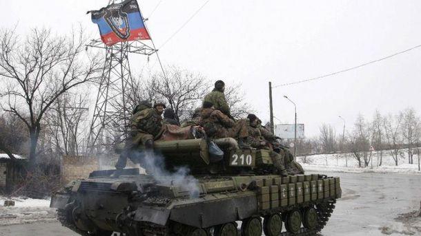 Боевики атаковали из танка, БТР и противотанковых ракет