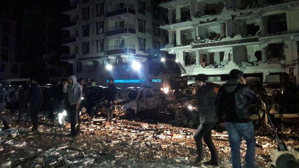 Последствия взрыва в Вираншехире