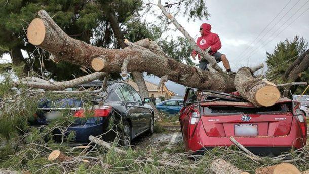 Последствия шторма в Калифорнии