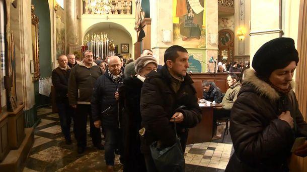 Черги до ікони у Тернополі