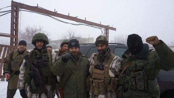 Серхіо Бесера (другий ліворуч) поруч з Мозговим(третій) і іншими тероистами Донбасу