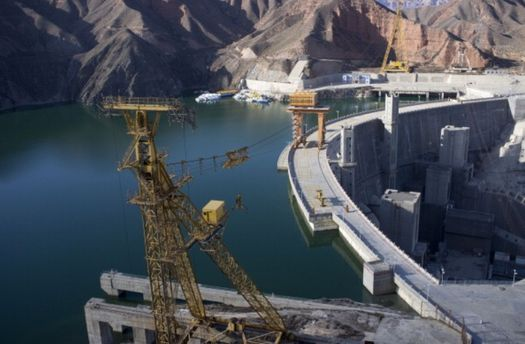Великі ГЕС здатні забезпечити електроенергією Україну