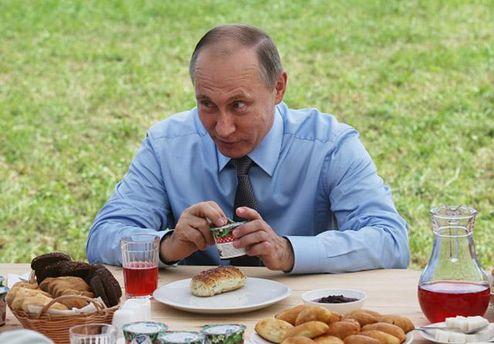 Путин защищает свой режим в России, однако не забывает и об Украине