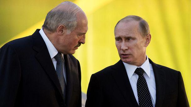 Лукашенко постійно паразитує на дружбі з Росією, – Дашкевич