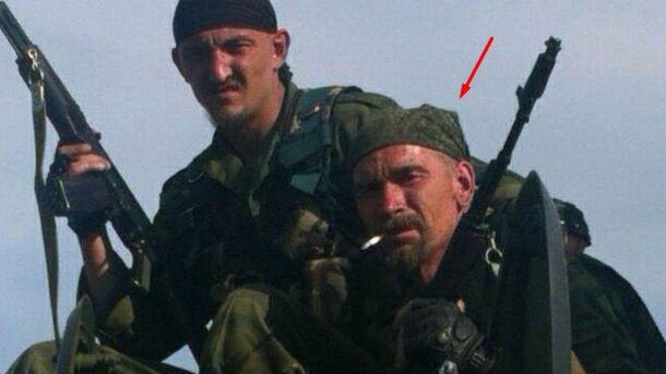 Погибший лейтенант (справа)