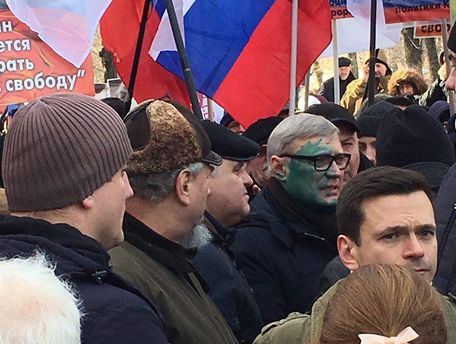 Михайла Касьянова облили зеленкою
