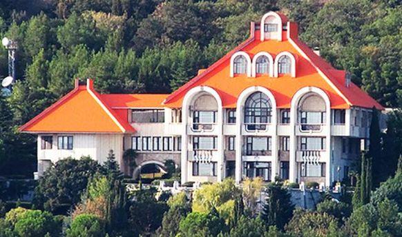 Крымская резиденция президента отныне под арестом