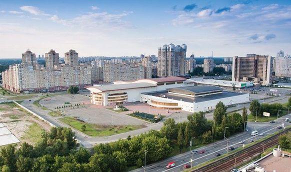 Міжнародний виставковий центр біля станції метро
