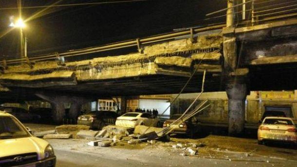 Вечером 27 февраля на Шулявке обрушился мост