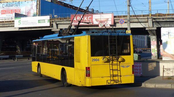 На Шулявском путепроводе произойдут изменения движения троллейбусов
