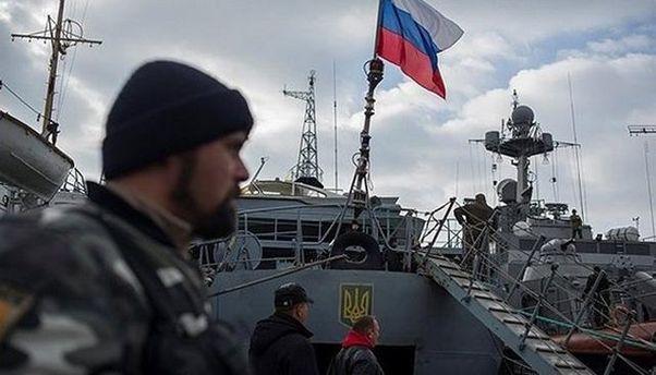 Українські кораблі в Криму