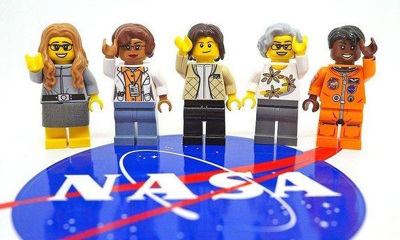Жінки-астронавтки NASA в  Lego