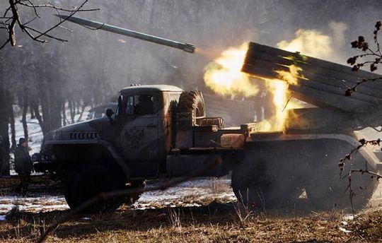 Терористи гатять зі зброї по Донбасу заради розваги
