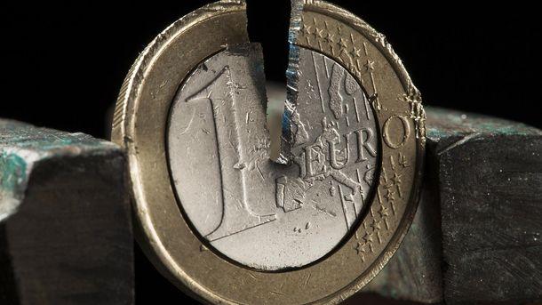 Евро снова начало падать