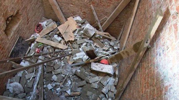 Завалена шахта ліфту