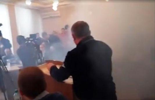 Дымовая завеса стояла сегодня в Сумской мэрии