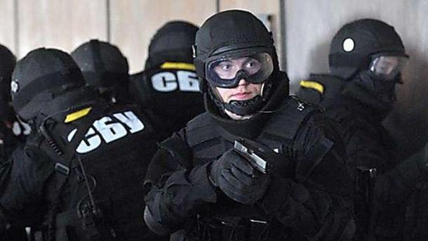Генпрокуратура провела масові обшуки у трьох областях через корупцію на митниці