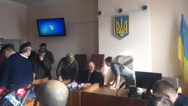 Судья Александр Бобровник продолжает вести дело по Насирову