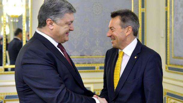 Порошенко прокоментував справу Насірова під час зустрічі з президентом МКЧТ