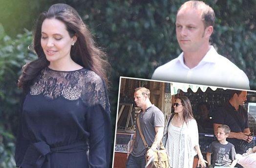 Анджелина Джоли и незнакомец