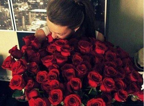 У Москві можна орендувати величезний букет троянд