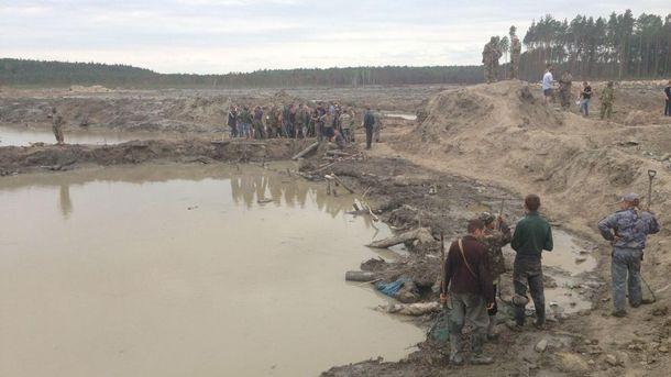 Незаконний видобуток бурштину в Україні