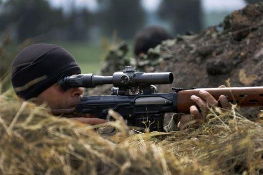 Попали под пули снайпера