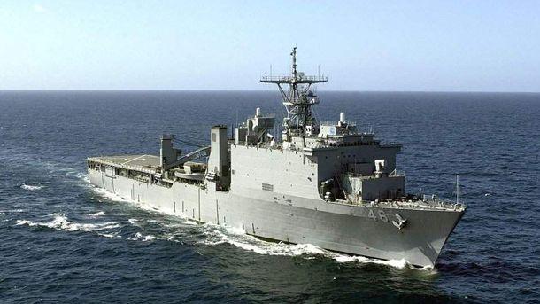 Десантный корабль класса Island