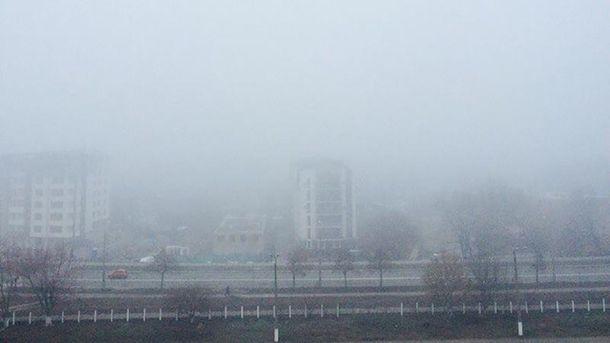 Густой смог заполонил Киев