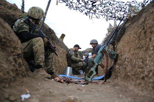 Военные в окопе