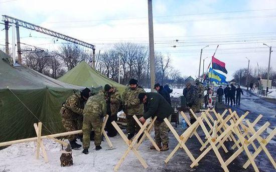 Блокувальники Донбасу пригрозили перекрити залізничні сполучення з Росією