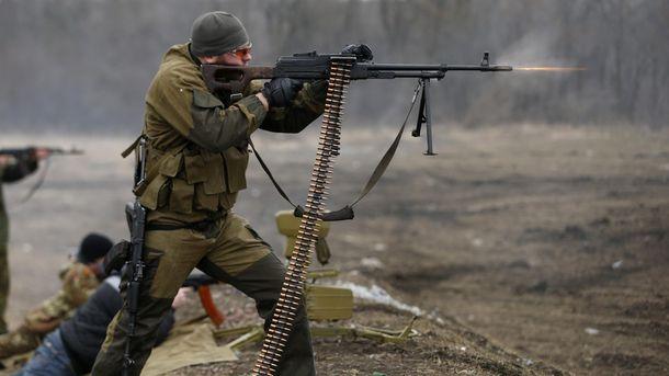 Терористи обстрілювали українські позиції як зі стрілецькою зброї, так і з важкого озброєння