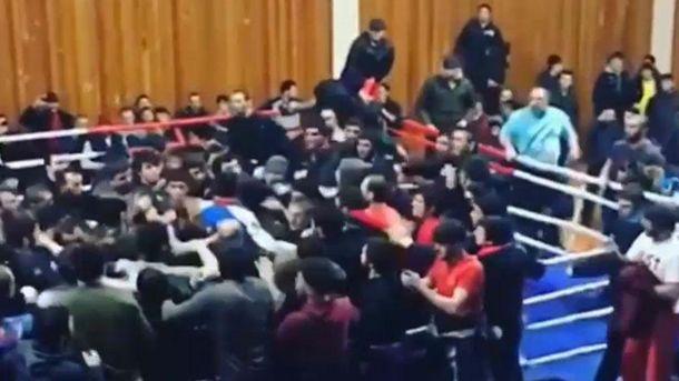 Дикі люди живуть на Росії