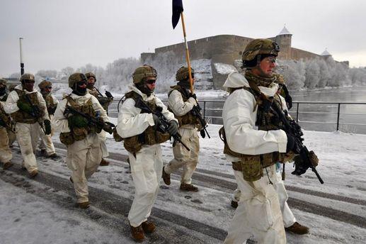 Американская армия перед российским городом