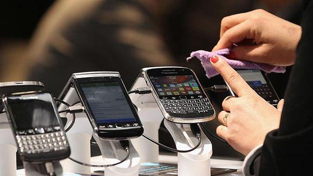 Украинцы чаще стали покупать смартфоны