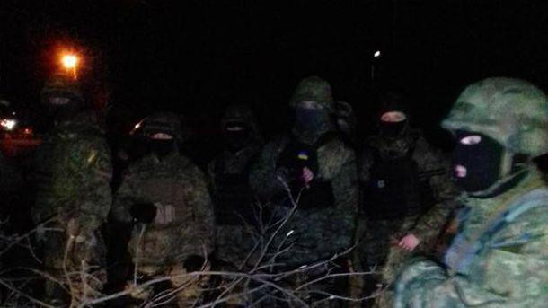 Между правоохранителями и участниками блокады произошла стычка