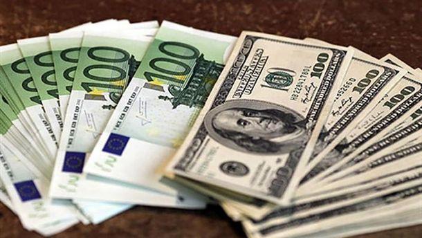 Євро і долар стабільні